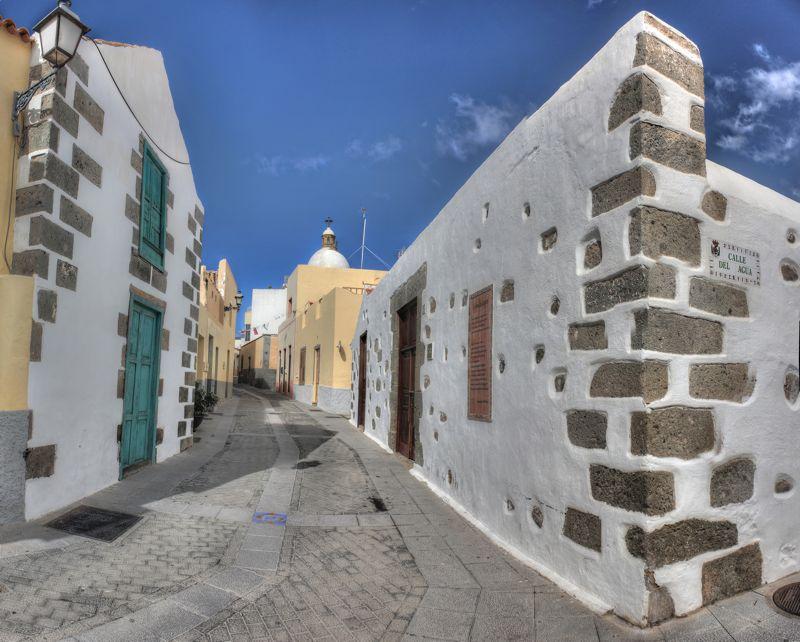 Gasse im alten Ortskern von Aguimes wo wir auf unserem Ausflug vorbei kommen