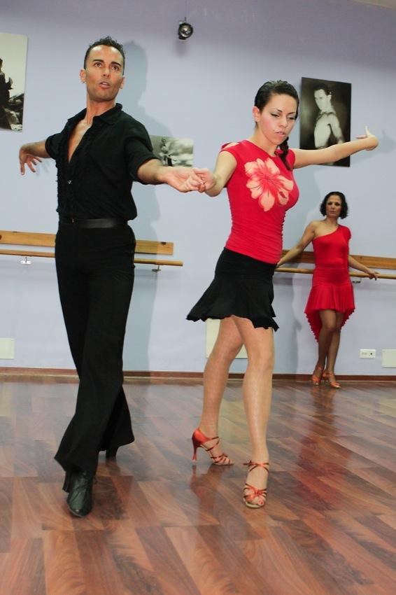 Zwei der Tanzlehrer der Tanzschule in Las Palmas