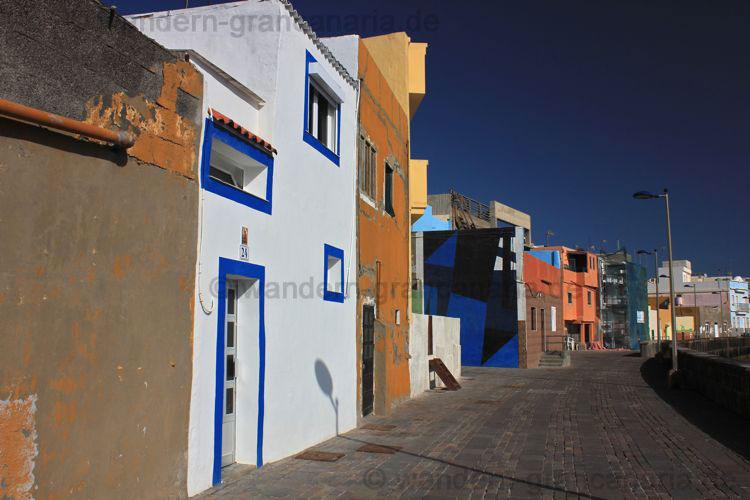 Promenade mit bunten Häusern, Las Palmas