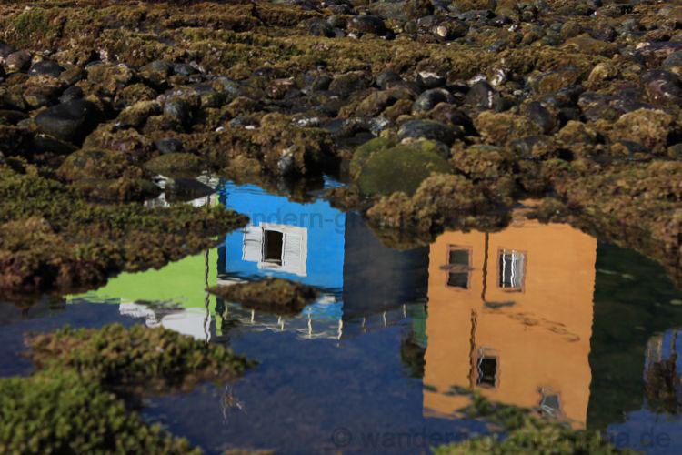Sich spiegelnde bunte Häuser, Las Palmas