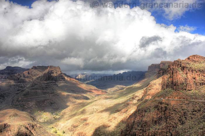 Tal, Barranco de Fataga, Sonne und Wolken