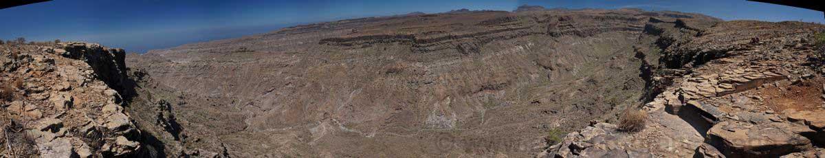 Wir wandern immer am Rand des Barrancos de los Medios Almudes entlang.