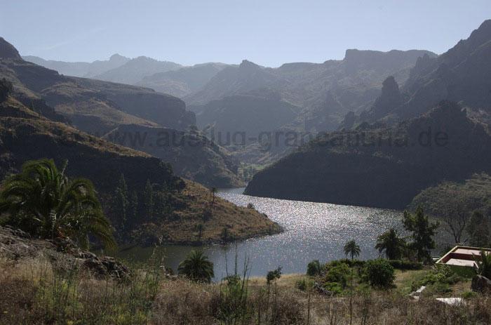 Der Soria See glitzert in der Sonne