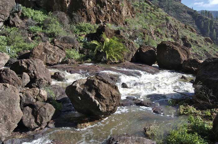 Fluss nach starken Regenfällen auf Gran Canaria