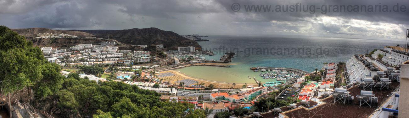 Bucht und Strand von Perto Rico von oben gesehen