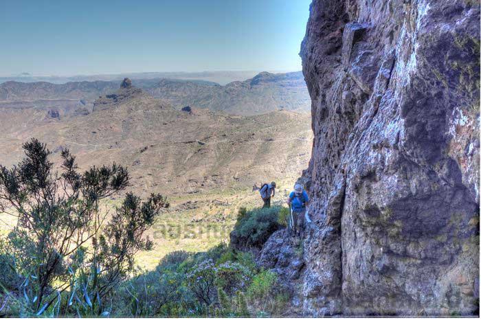 Aufstieg Wanderung Gran Canaria an Felswand