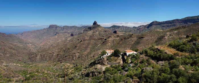Blick zum Roque Bentaiga und Teide