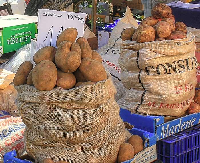 Kartoffeln auf einem Markt auf Gran Canaria