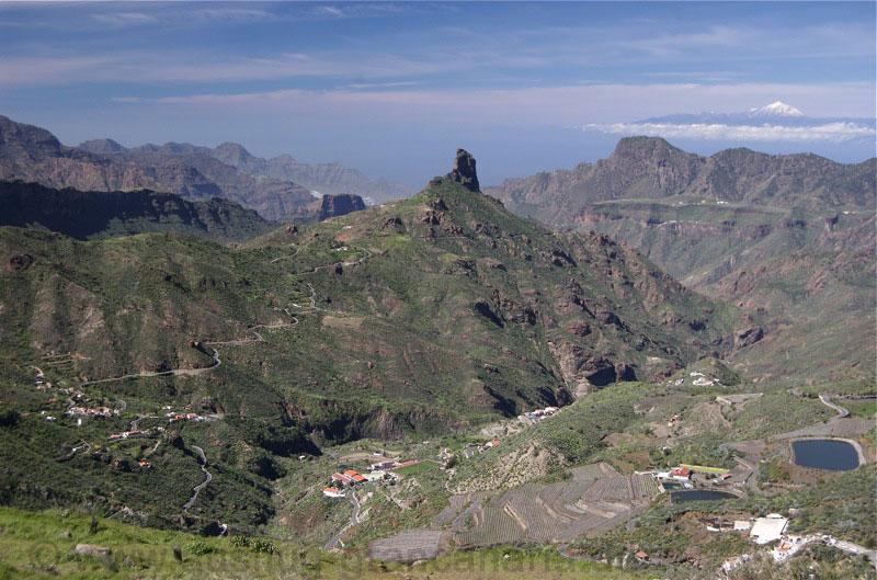Degollada de Becerra, Ausblick auf den Roque Nuble, Bentaiga und Teide auf Teneriffa.